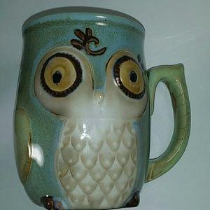 Gibson 3d owl mug